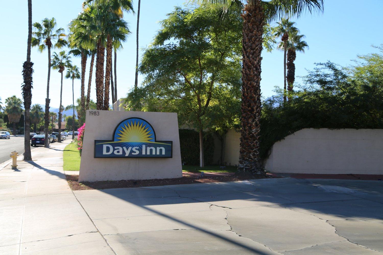 Cambridge Motel Palm Springs