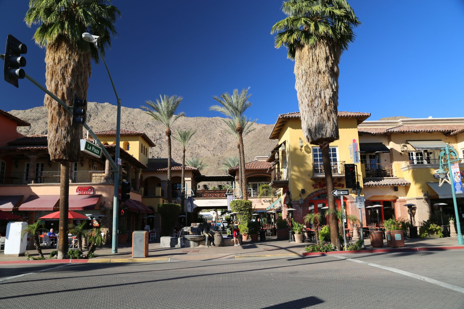 Guides palm springs ca shopping dave 39 s travel corner for Shopping in palm springs ca
