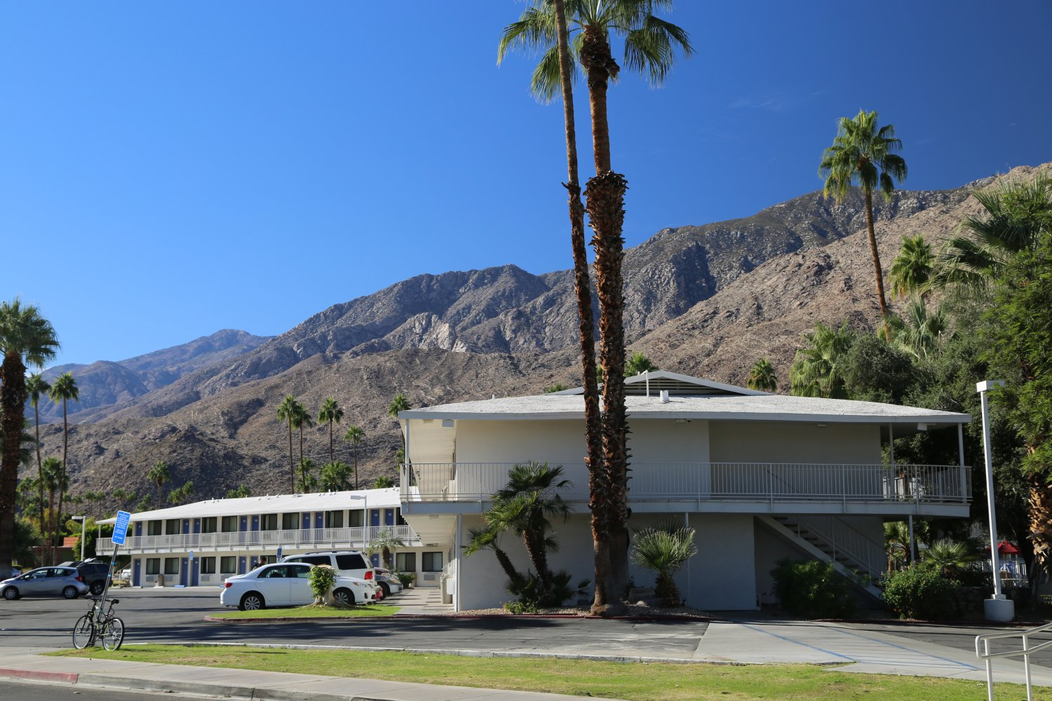 Guides - Palm Springs, CA - Hotels, Lodging - Dave's Travel