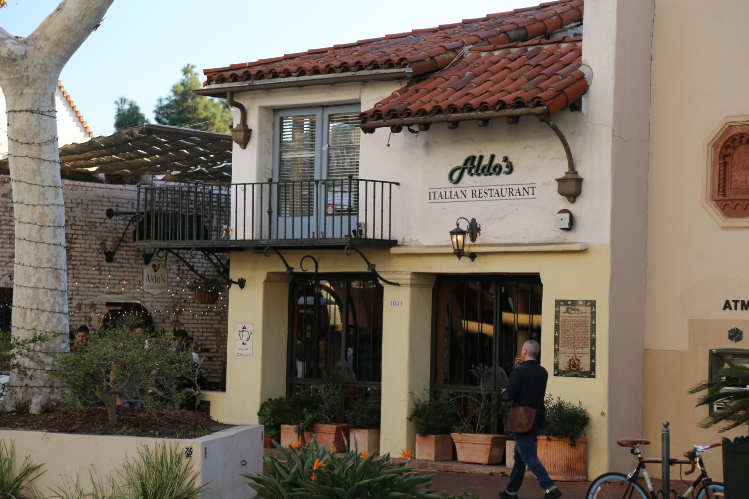 Aldo S Is One Of Dave Favorite Street Side Dining Cafes On State The Salads Are Very Good Here Has Also Enjoyed Excellent Salmon Dishes