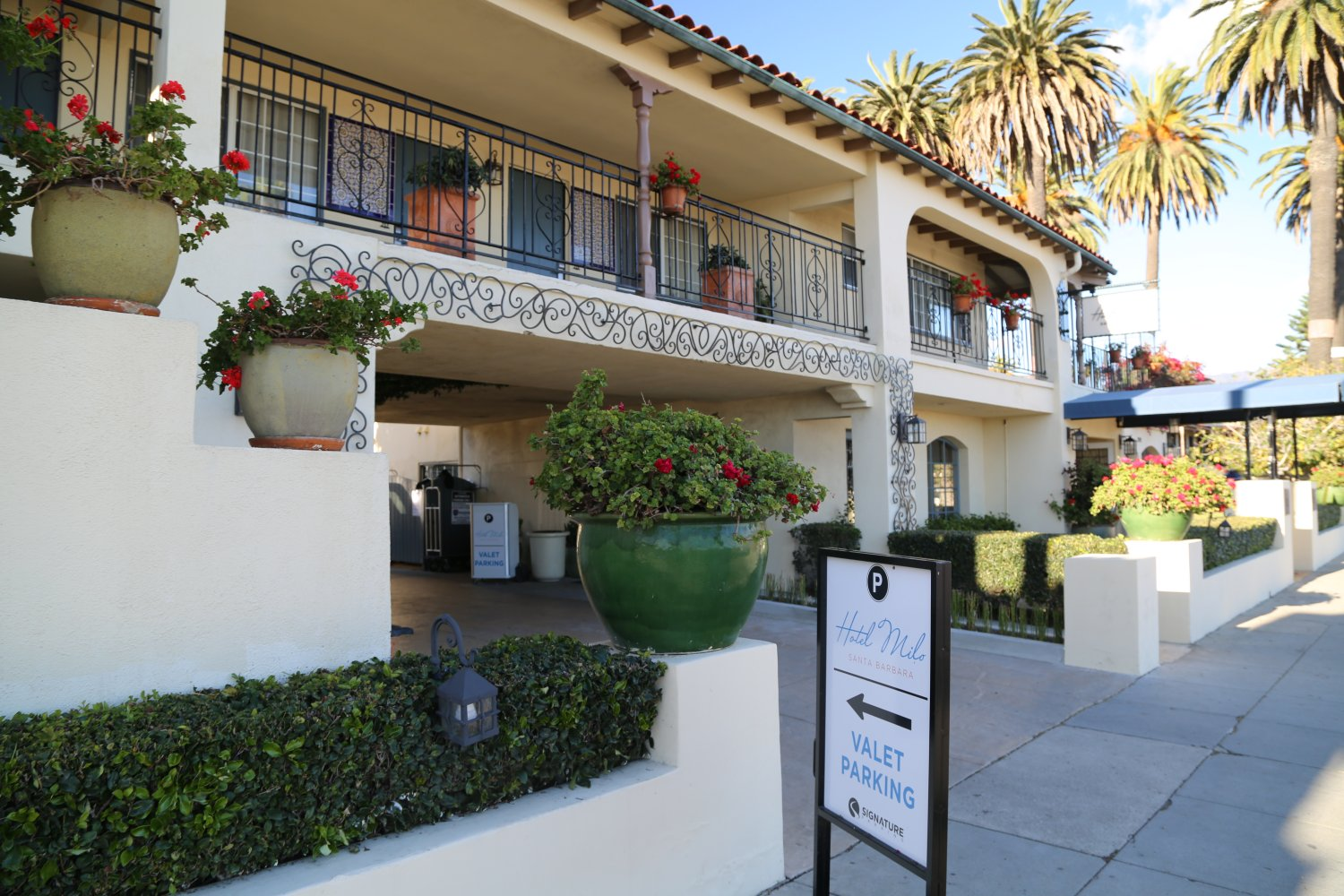 Hotel Milo Is Located Across From The Santa Barbara Waterfront Address 202 W Cabrillo Blvd This Hip And Trendy Almost Beach Front Property Invites