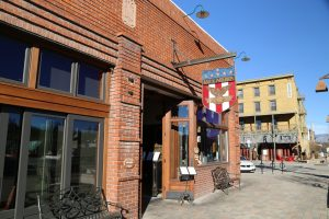 bar-of-america-truckee