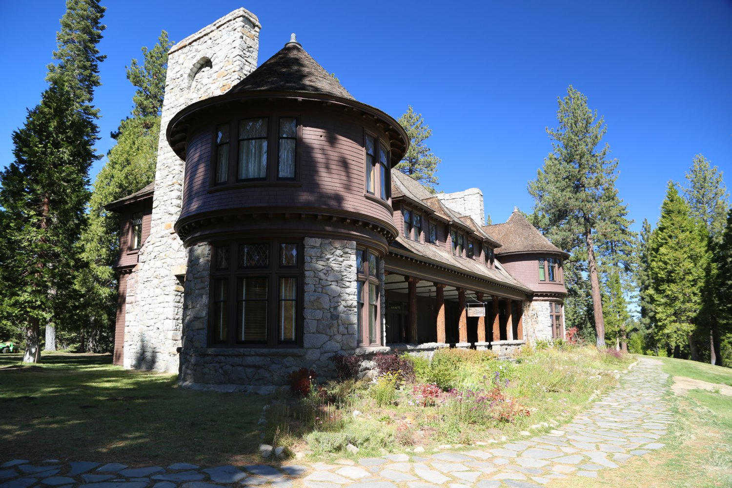 vacation redawning charming hotel cottages tahoe truckee in rental donner cottage property