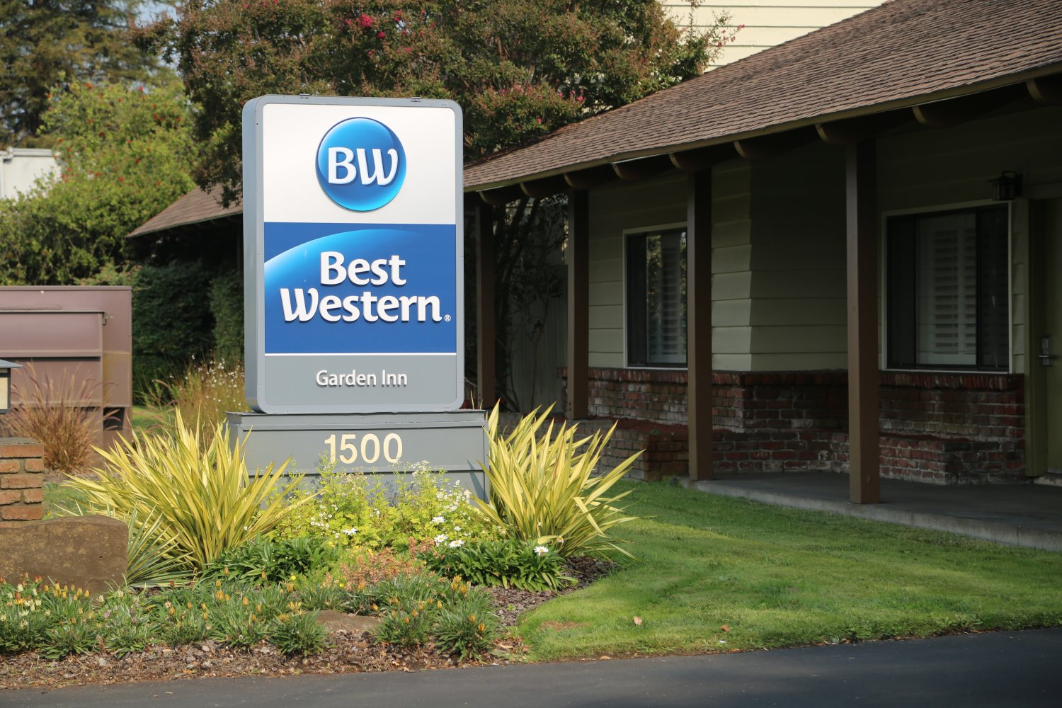 Best Western Garden Inn Is Rated 3 Stars And Is Located On 1500 Santa Rosa  Avenue. This Location Puts Them Closer To Downtown Than Some Of The Other  Santa ...