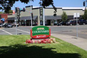 Courtyard-Marriot-Sign (1)