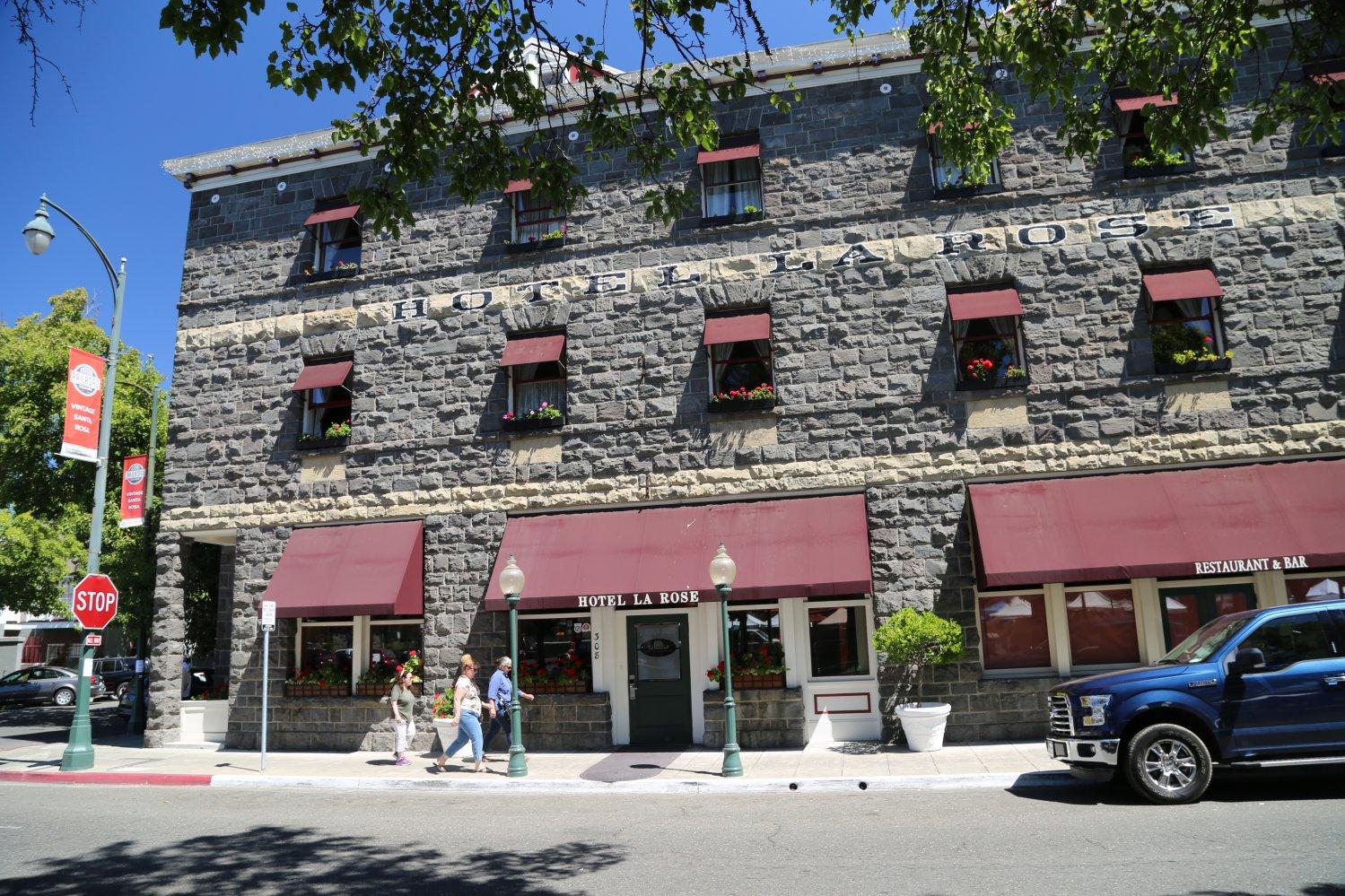 guides santa rosa ca hotels dave 39 s travel corner. Black Bedroom Furniture Sets. Home Design Ideas