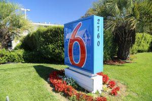 Motel-6-South-Santa-Rosa (1)