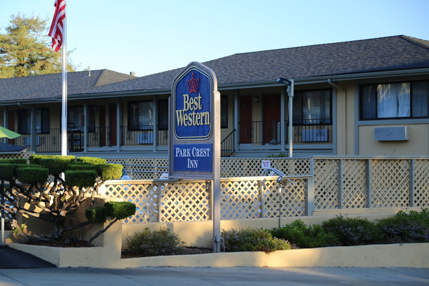 Best Western Park Crest Motel Is Located At 1100 Munras Ave They Are Rated 3 Stars And Their Prices Range From 79 To 279 Have 53 Rooms 2 Stories