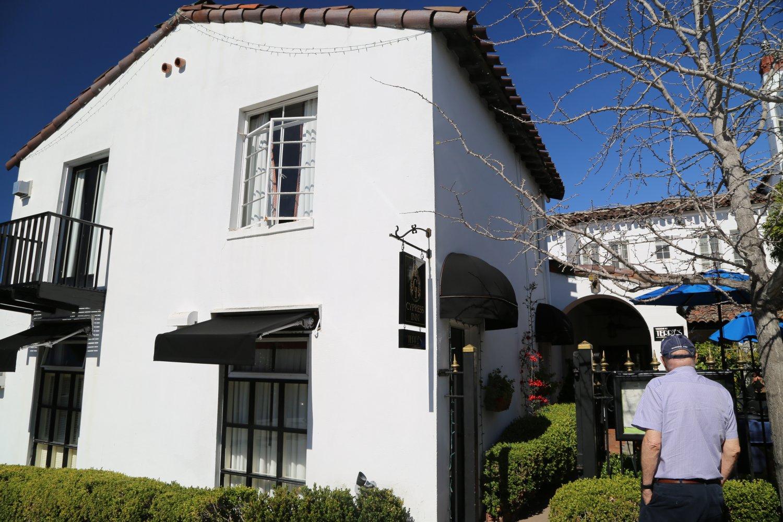 guides monterey ca carmel hotels dave 39 s travel corner. Black Bedroom Furniture Sets. Home Design Ideas