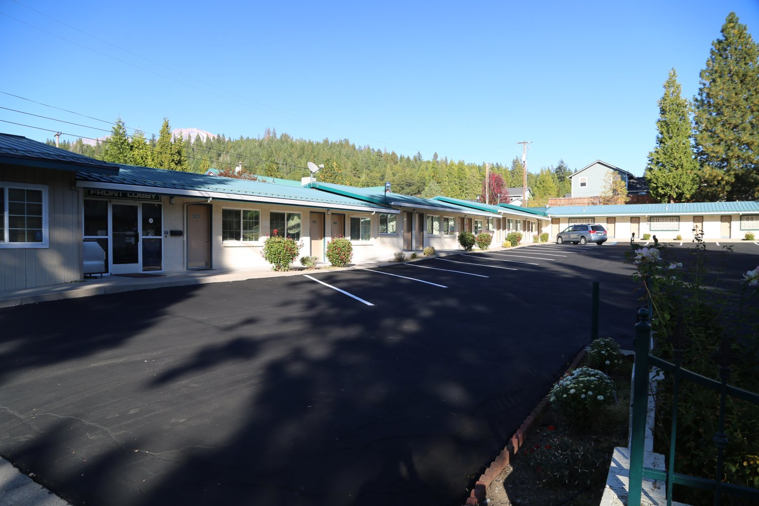 A1 Choice Inn Is Located At 1340 S Mt Shasta Blvd Family Owned And Operated By An Elderly Very Basic Accommodation All Rooms Are Pet Free