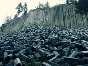 Devil's Post Pile is a unique geological formation well worth taking the  time to visit. Access from the 395 is via Highway 203 which runs through  Mammoth ...