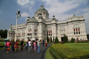ananta-samakhom-throne-hall-1