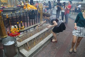 erawan-shrine-bangkok-2