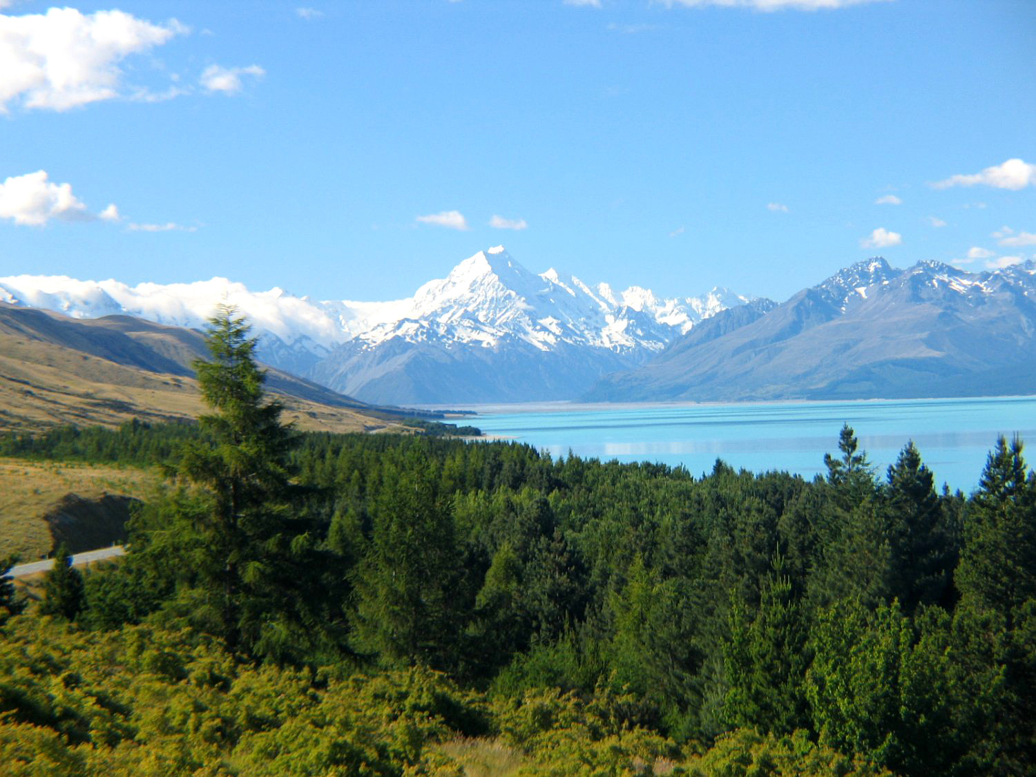 Mt-Cook-Lake