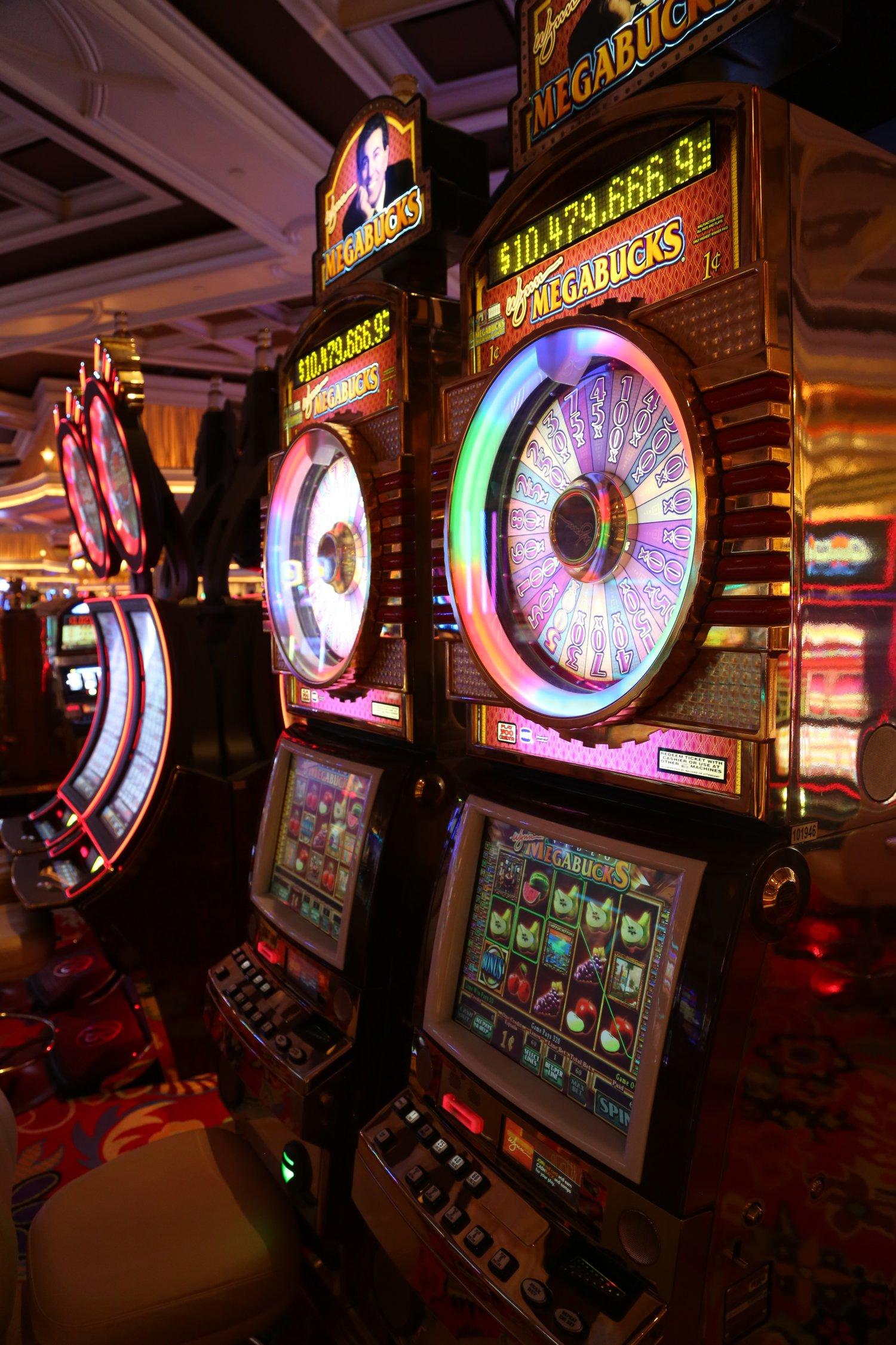Скачать бесплатно игру казино на компьютер