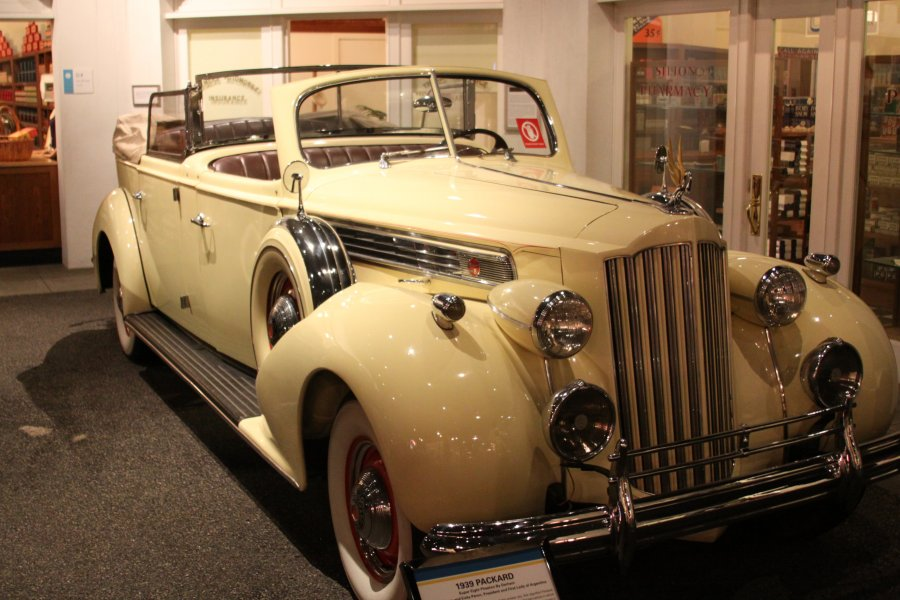 1930 Packard Presidential Vintage Wedding Car