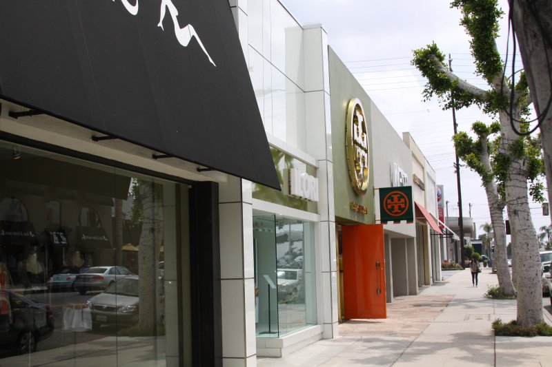 Women clothing stores: Clothing stores in beverly hills