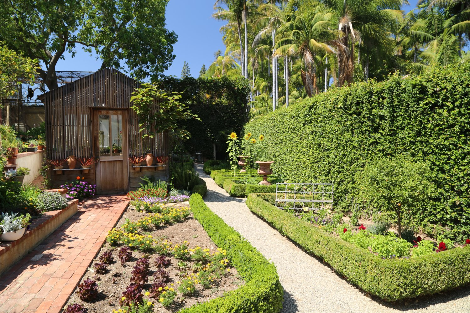 Guides - Los Angeles, CA - Beverly Hills - Dave\'s Travel Corner