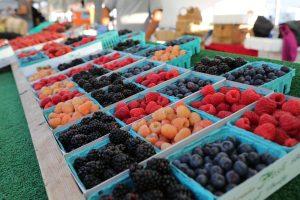 berries-farmers-market