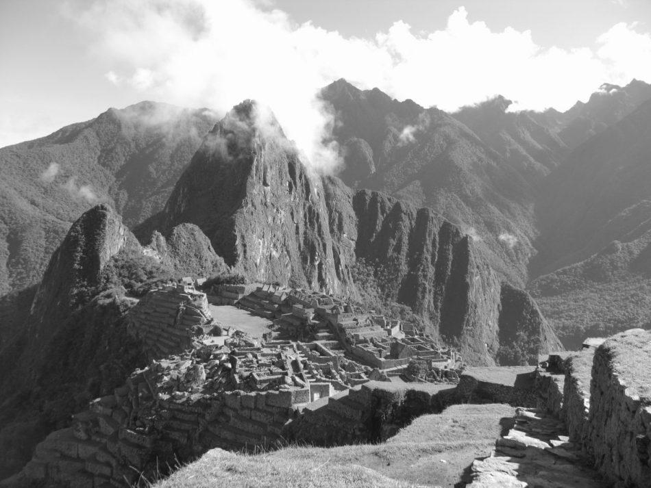 Machu-Picchu-Black-White