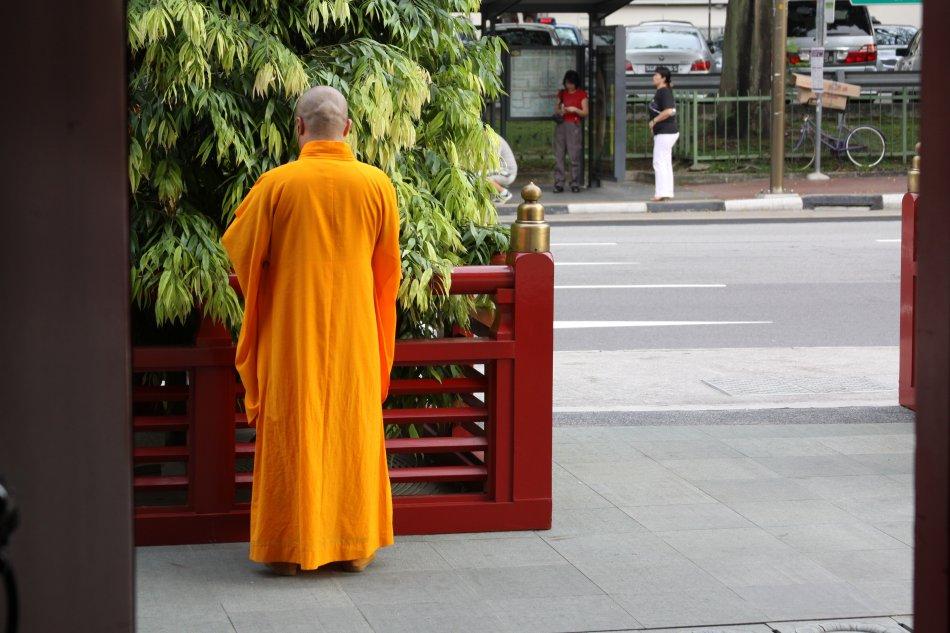 singapore-monk