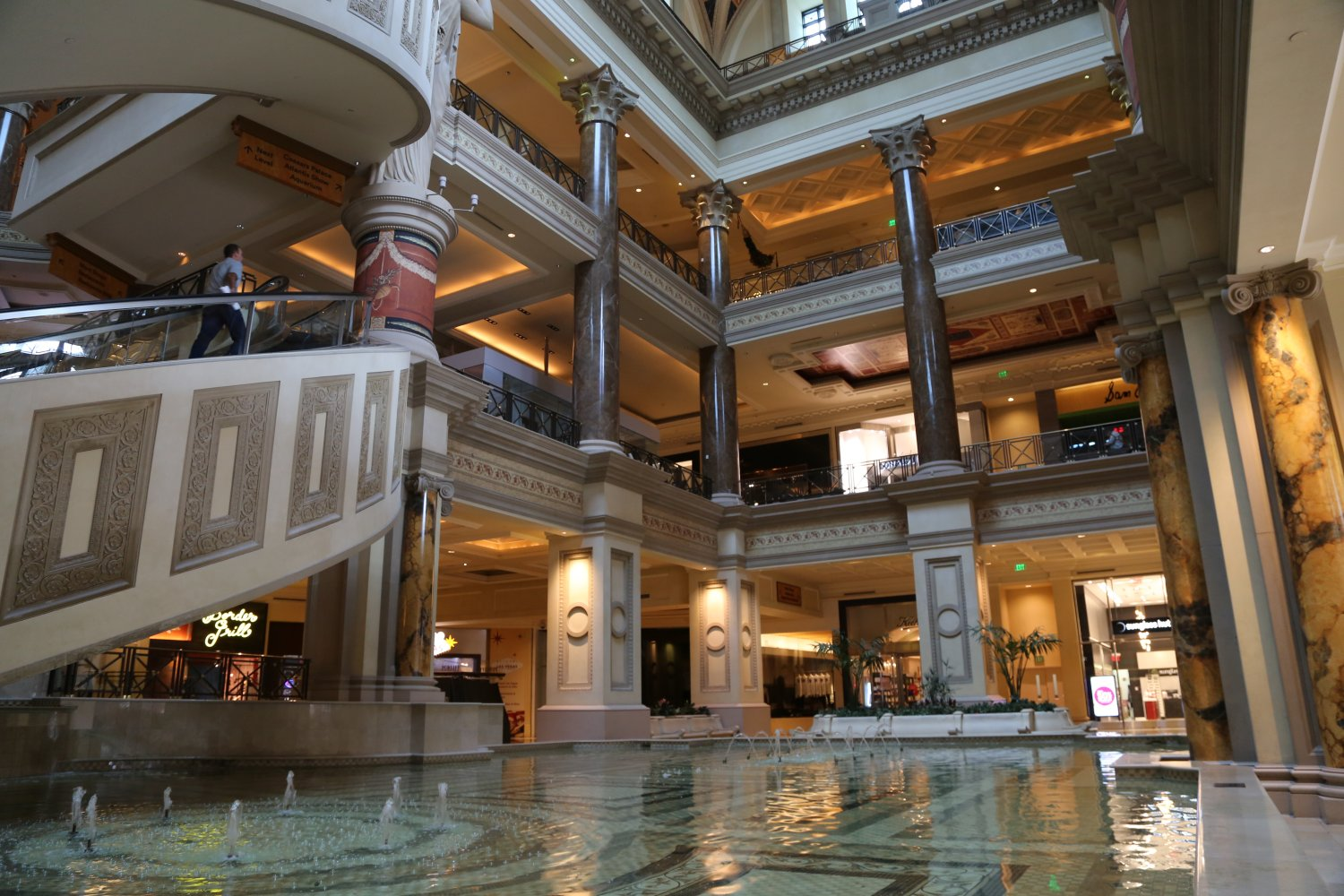 Bills saloon and casino gambling machine pay out code scanner