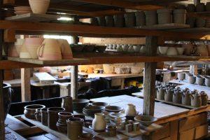 Wallakra Stenkarlsfabrik pottery