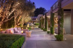 Patio,  Luxe Sunset. Photo courtesy, Luxe Sunset Boulevard Hotel