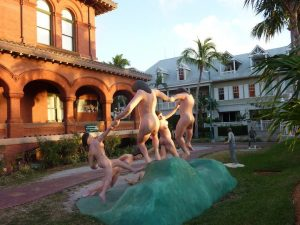 Nude-Statues-Mallory