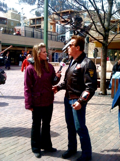 Ramona interviewing Arnold Schwarzenegger (photo courtesy of Ramona Bruland)