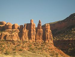 250px-Rock_formations_in_Ruby_Canyon,_as_seen_from_the_California_Zephyr