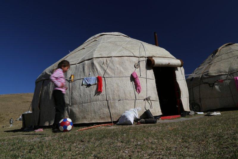 kyrgyzstan-trekking (1)