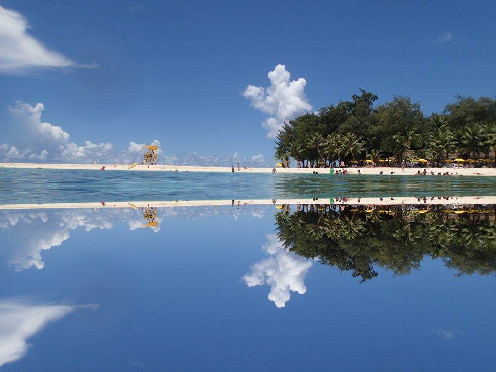 saipan-managaha-reflection