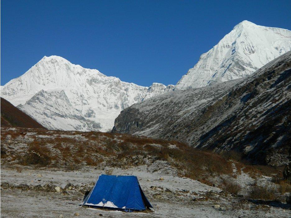Jichu Drakye (L) and Tserim Gang (R) from camp at Lingshi.