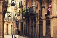 Hotel or Apartment? In Barcelona, the Barrios Have It