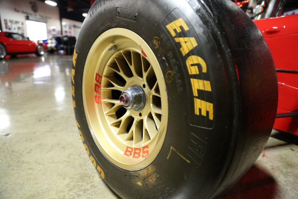 Eagle racing tire