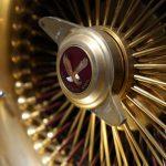 Gold plated rims on Oscar de la Hoya's truck