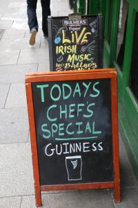 Guinness-Dublin-Pub-Crawl (1)
