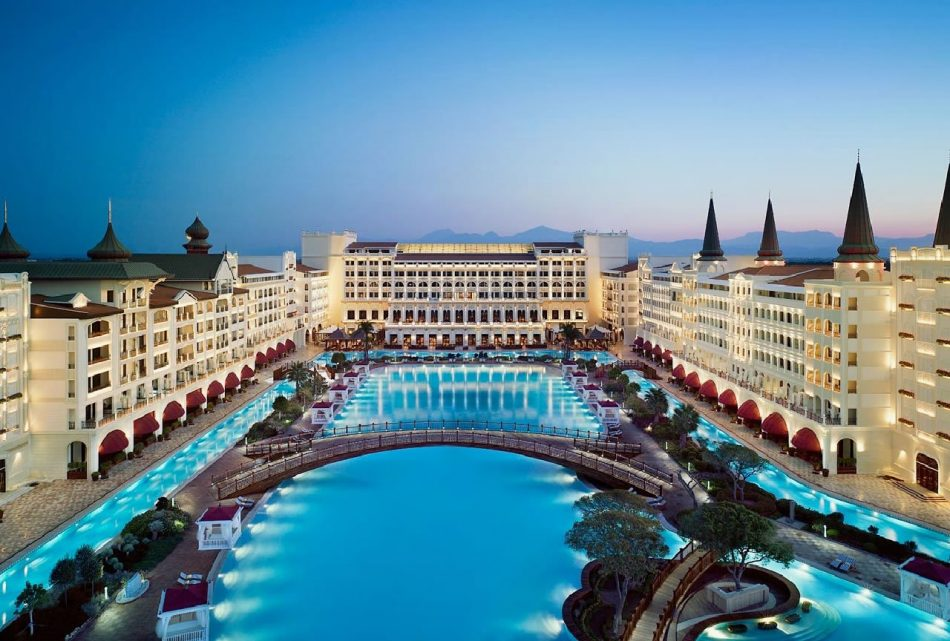 Glimpse of luxury - a resort in Antalya