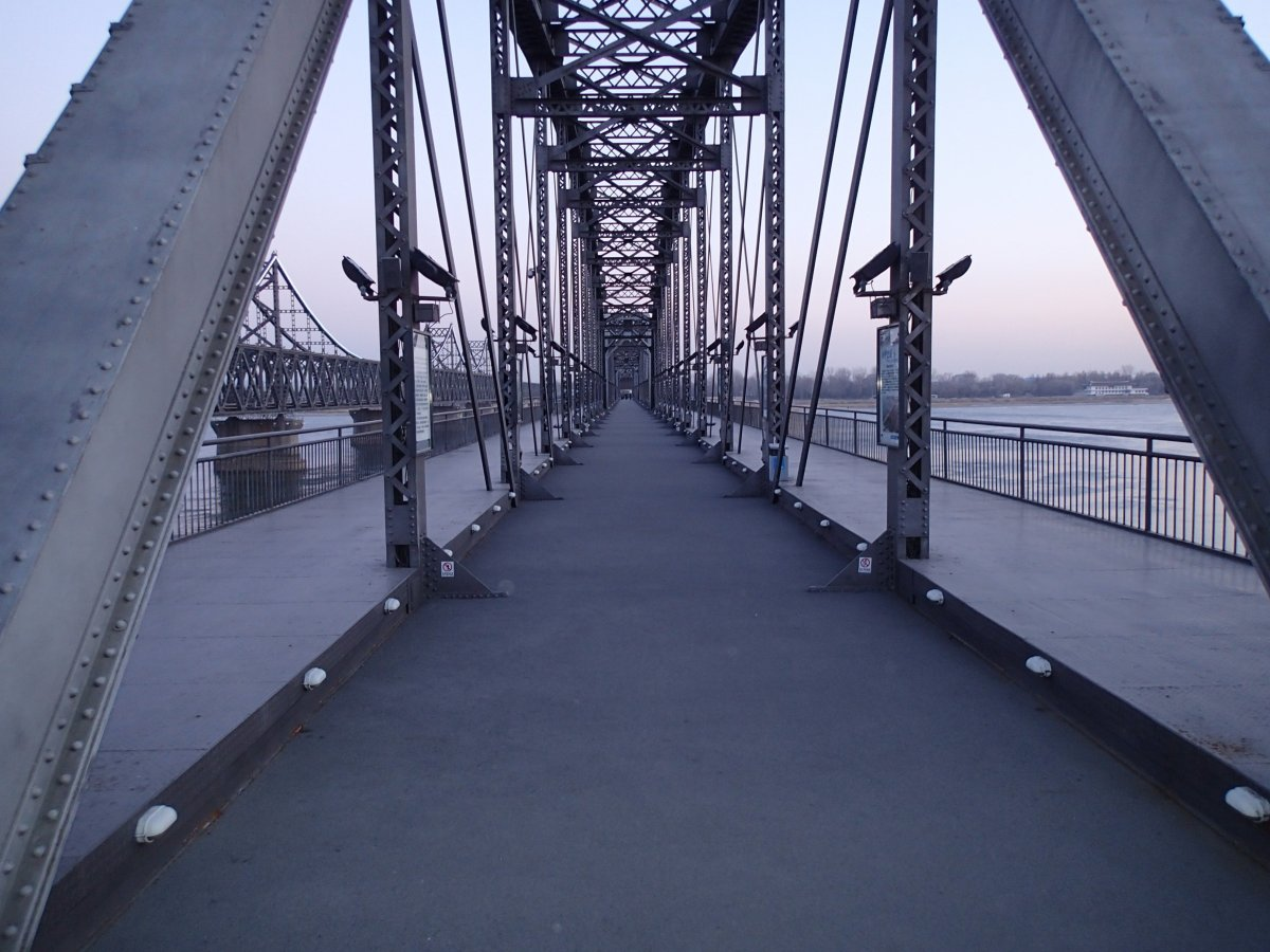 dandong-north-korea-bridge