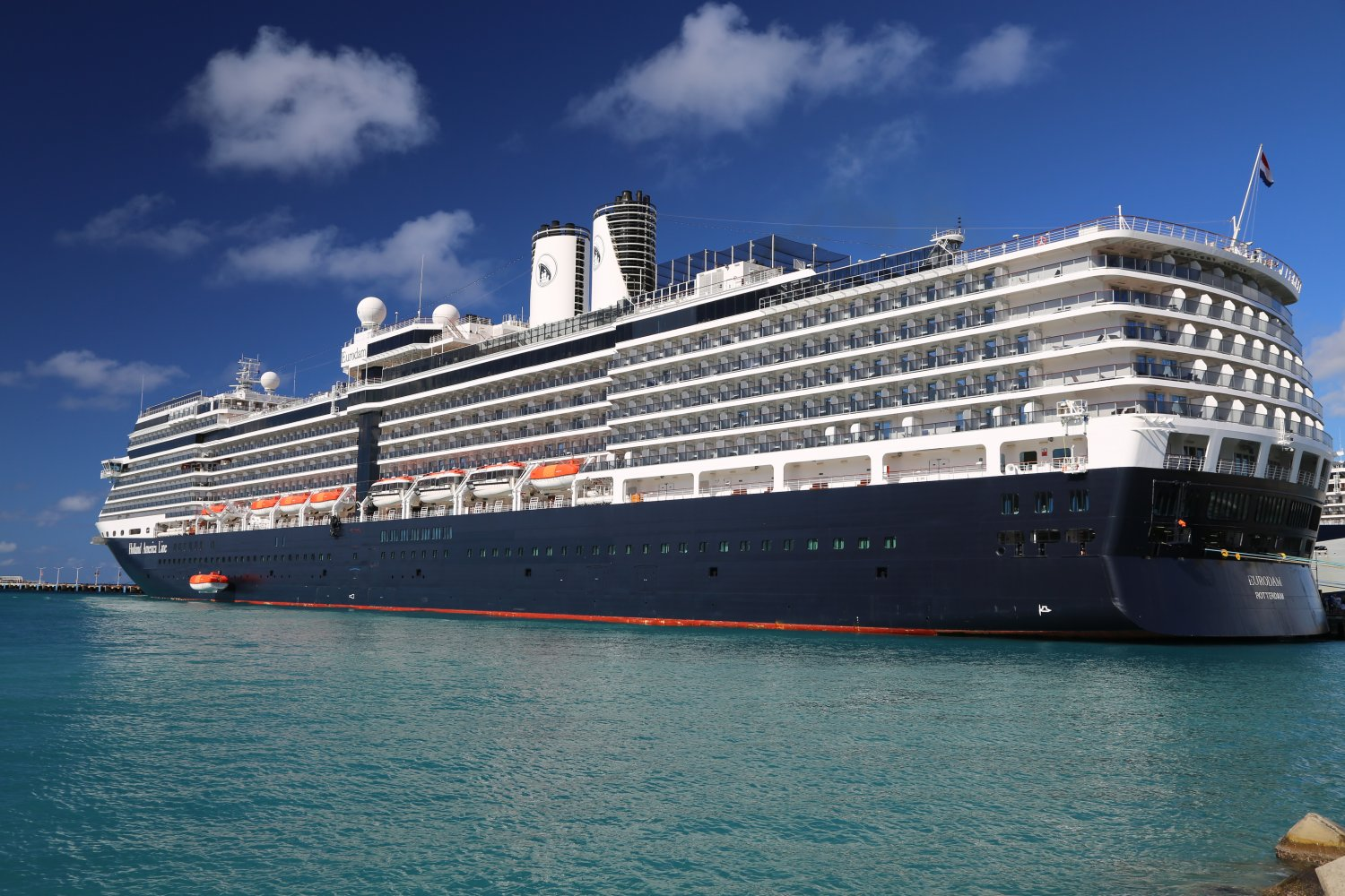 cruise ship holland america Holland america has a long history of traditional cruising on spacious, elegant midsize ships such as the westerdam, oosterdam and eurodam.