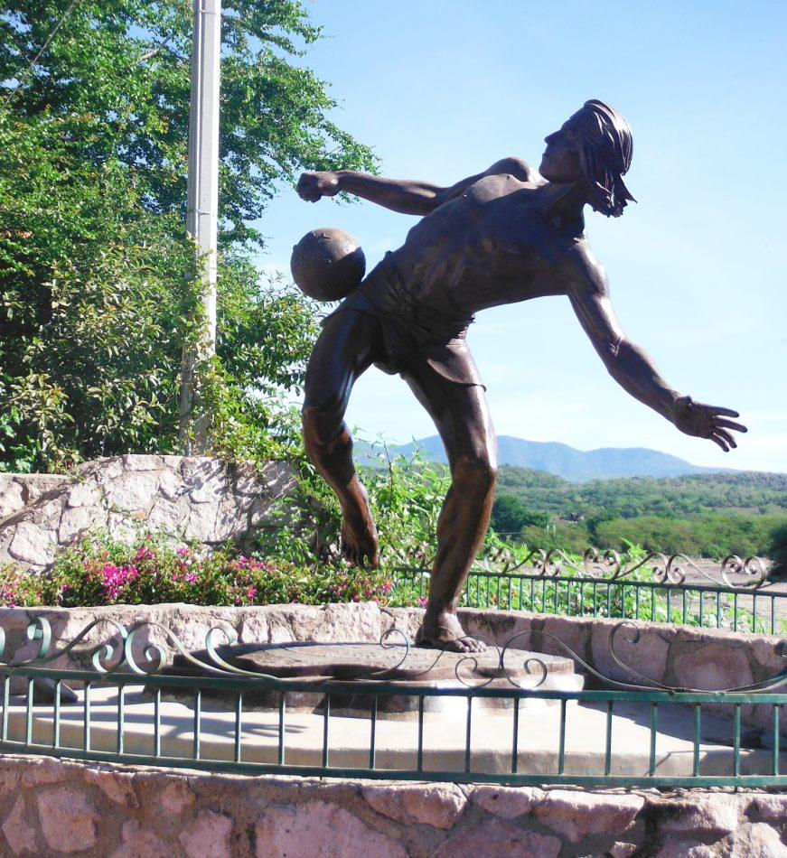 el-quelite-mazatlan-Ulama-ballgame-statue