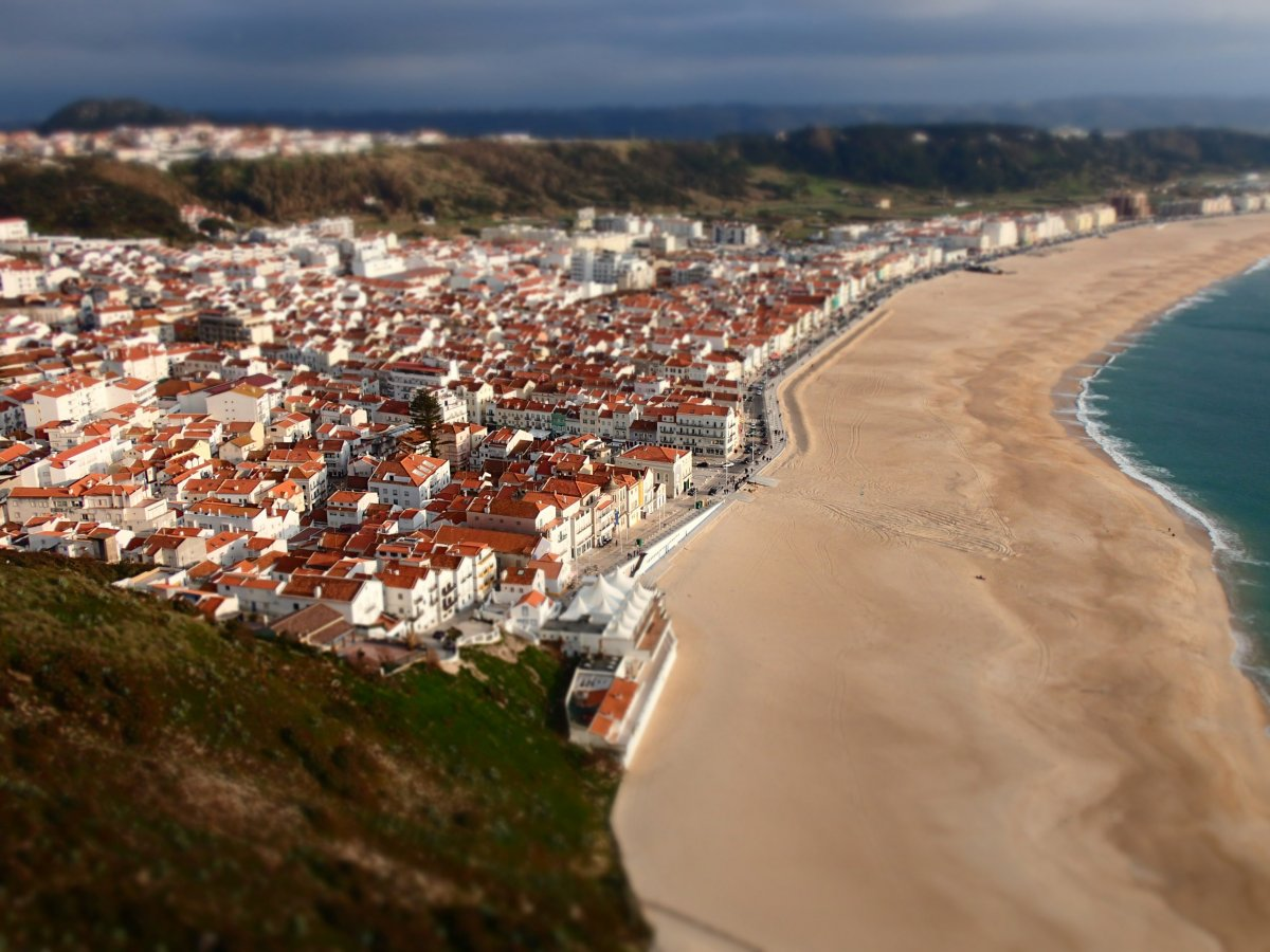 nazare-huge-beach