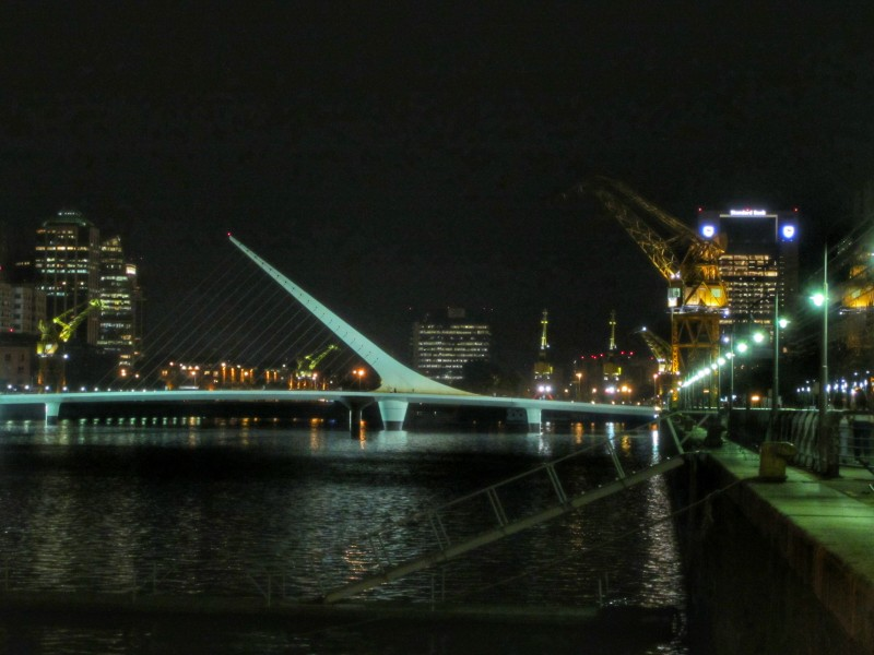 There is little doubt that Calatrava's Puente de la Mujer is a real work of art