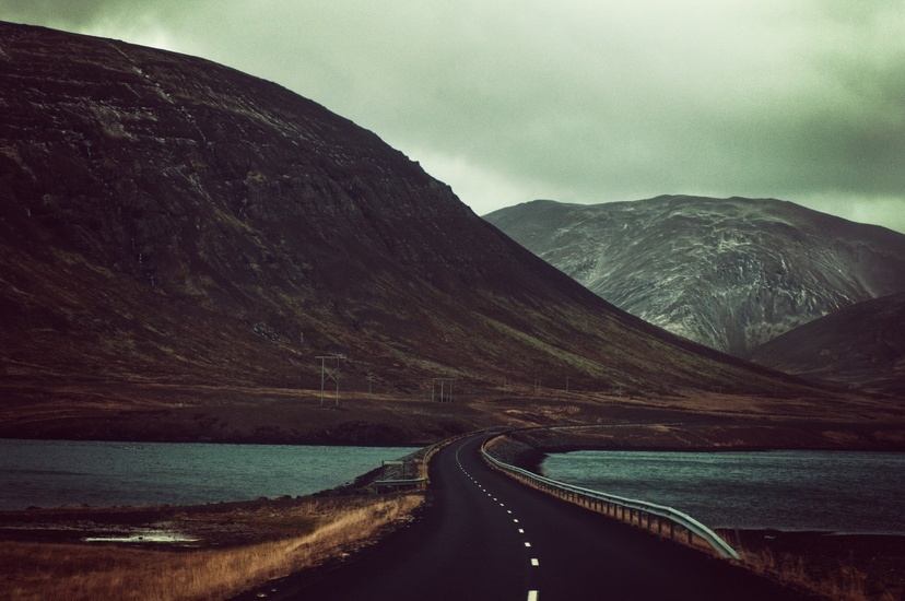 road-mountains-street-countryside-large