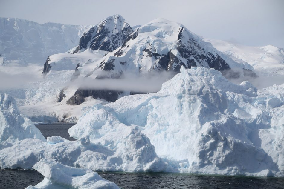 basecamp-ortelius-antarctica (2)