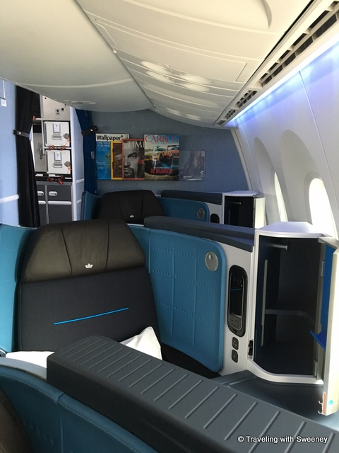 KLM's Boeing 787-9 Dreamliner Makes Inaugural Flight to San