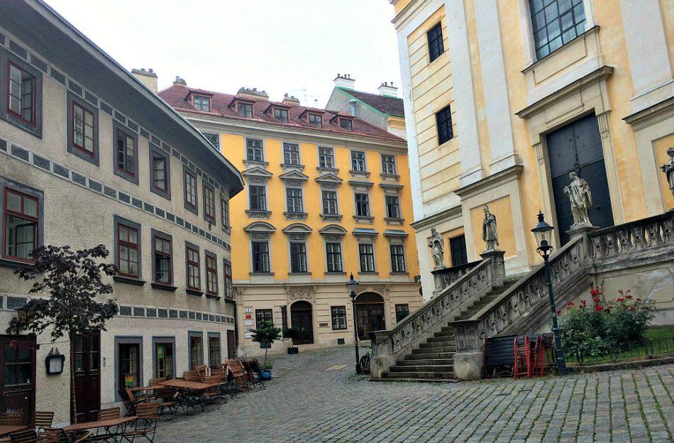 Vienna's Josefstadt and Neubau: Ulrichsplatz