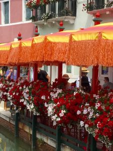 burano_cafe_umbrellas