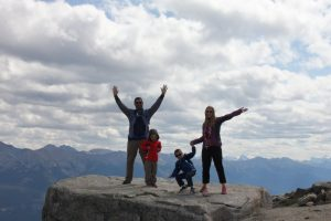 alberta-jasper-national-park-whistlers-peak-on-top-of-the-world-1-salloum